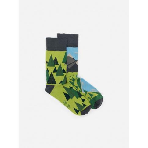 Kolorowe skarpetki - Za 7 górami, za 7 lasami